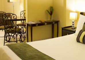 Hotel Albrook Inn