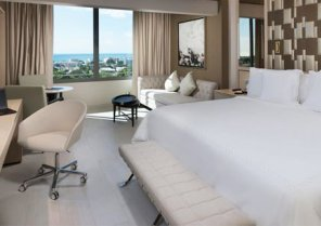 El Hotel Embajador, a Royal Hideaway