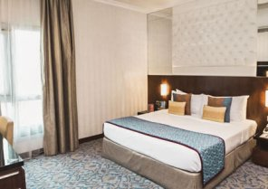 Raviz Center Point Dubai Hotel